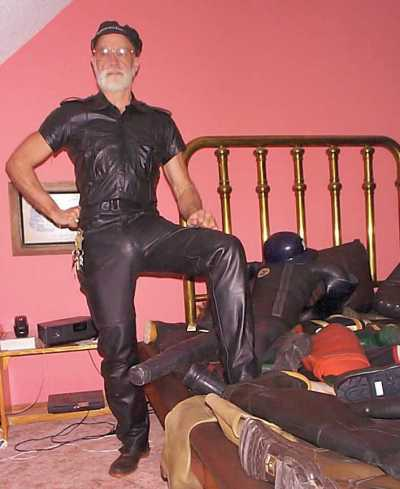 Leatherman on a rubberbooted sea